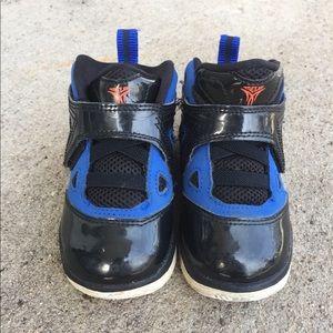 Baby boy size 7 Jordan Melo m9